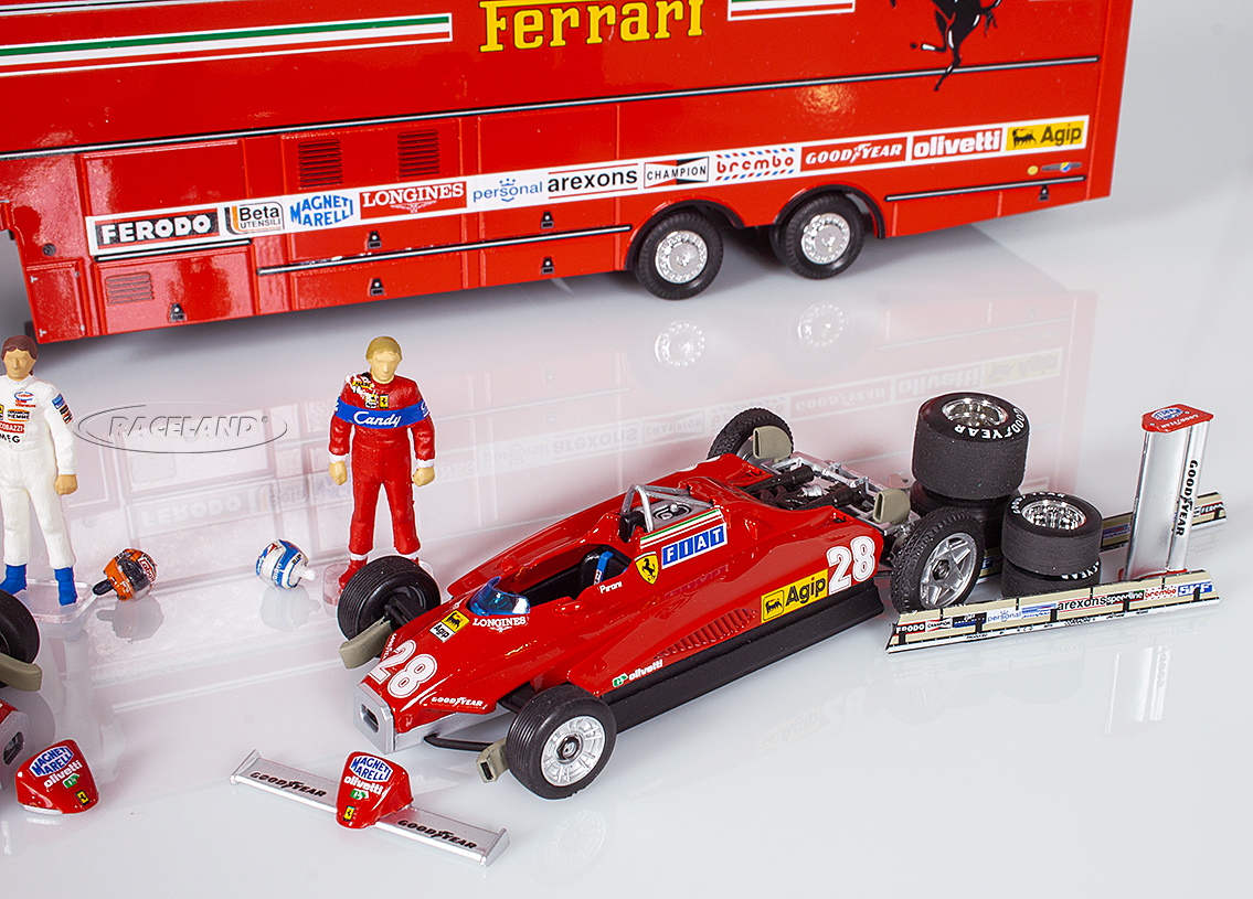 Gift set Ferrari F1 GP San Marino Imola 1982 paddocks with 2 models, race car carrier, parts and figurines Image 3