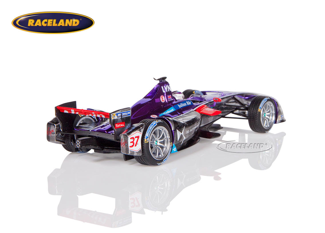 DS Virgin Racing Formula E New York 2016/2017 Alex Lynn Image 2