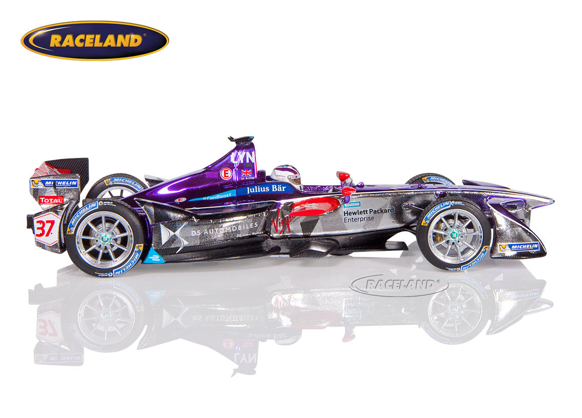 DS Virgin Racing Formula E New York 2016/2017 Alex Lynn Image 3