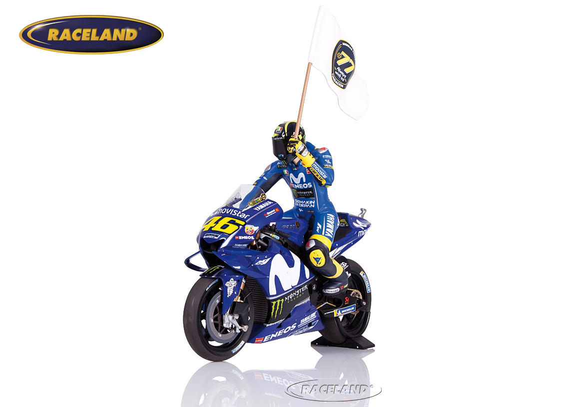 Yamaha YZR-M1 Movistar Yamaha 3° MotoGP Catalunya 2018 Valentino Rossi with figure and flag